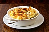 Macaroni and cheese with breadcrumbs, Parmesan and cheddar cheese