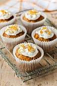 Orange and raisin cupcakes