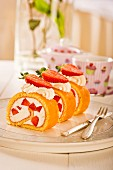Strawberry roulade with cream