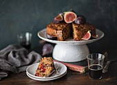 Fruitcake with fresh figs