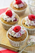Oat muffins with raspberries