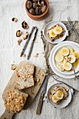 Oat and flaxseed bread with bananas and walnuts