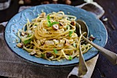 Pasta con fichi e cavolfiore (pasta with figs, cauliflower, anchovies and hazelnuts, Italy)