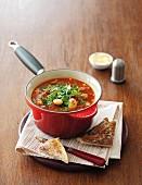 Toskanische Bohnen-Rindfleisch-Suppe