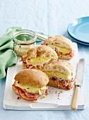 Cheesy ham and tomato toasties