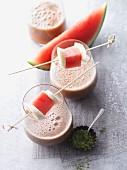 Wassermelonen-Bananen-Smoothie mit Matcha und Baobab