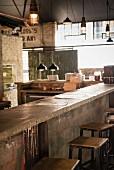Bartresen in einem Steakhaus in Johannesburg, Südafrika