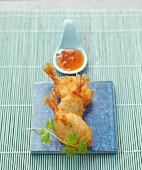 Frittierte Knoblauch-Koriander-Garnelen mit Chilisauce (Asien)