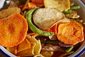 Dried vegetable chips (close-up)