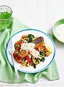 Lachsfilet auf Kichererbsen-Spinat-Salat