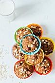Haferflockenmuffins mit Haselnüssen und Banane