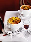 Soupe à l'oignon gratiné