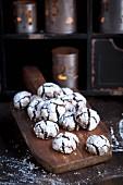 Glutenfreie Crinkle Cookies zu Weihnachten