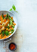 Scallops with fried asparagus and carrots (Paleo)