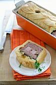 Ham pie with pistachios