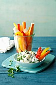 Vegetable sticks with a parsley, almond and quark dip (simply glyx)