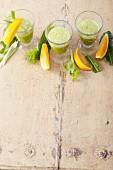 Orangen-Gemüsesmoothie mit Aloe Vera