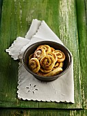 Pistachio buns with ginger and lemon preserve