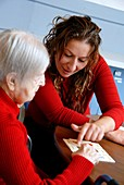 Alzheimer's patient plays a game