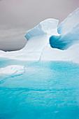 Blue iceberg of glacial origin