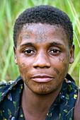 BaAka woman facial markings