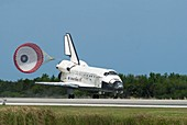 Discovery's final landing,2011