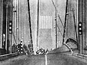 Tacoma Narrows Bridge collapse,1940