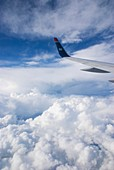 Aircraft wing with winglet