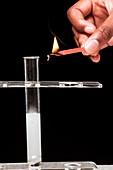 Lit splint test for hydrogen gas
