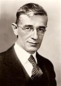 Vannevar Bush,US electrical engineer