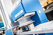 High-throughput screening machine