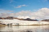A glacier at Alkehornet