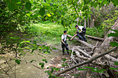 Voluntary river cleaning work