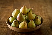Comice pears in bowl