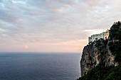 Das Hotel Monastero Santa Rosa, Amalfiküste, Italien
