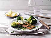 Lemon salmon with broccoli