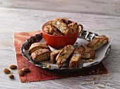 Low Carb-Cantuccini