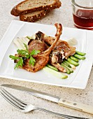 Lamb chops with young garlic and alioli