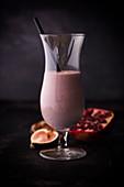 Pomegranate-fig smoothie