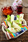 Minced meat and lettuce wraps