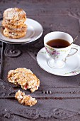 Rhubarb scones with black tea