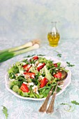 Mixed leaf salad with strawberries