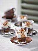 Schnelles Dessert nach Art von Tiramisu in Gläsern
