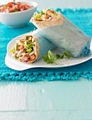 Wraps mit Hummus und Salsa