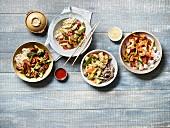 Verschiedene Pfannengerichte aus Asien