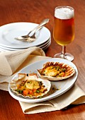 Gratinated scallops and beer