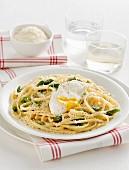 Trenette agli asparagi (Nudeln mit grünem Spargel, Italien)
