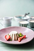 Panna cotta with fresh strawberries