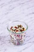 Gefriergetrocknete Gemüsemischung im Glas