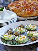 Green asparagus cream with quail eggs (Easter)